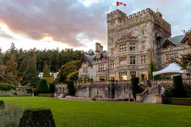 Castles coach hire