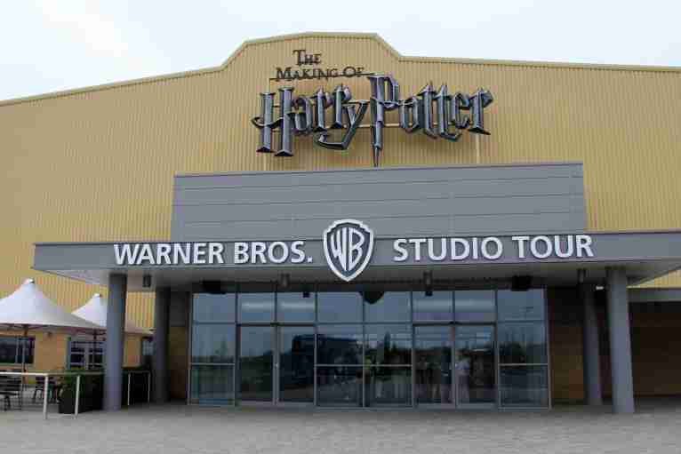 Coach hire to Harry Potter Studios